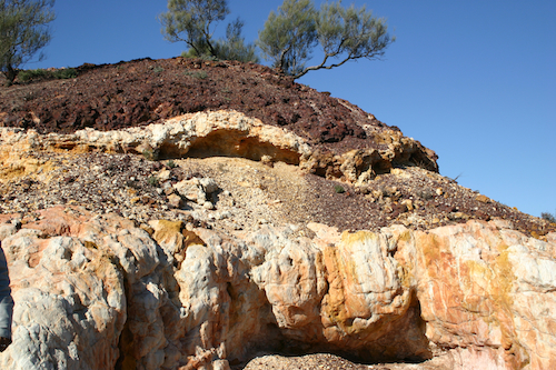 Laterite cap near Kambada: Prosaically speaking, it's a naturally occurring heap of rusty iron.